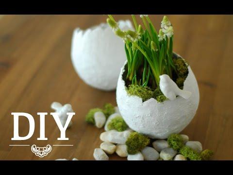 Gipsvasen für den Ostertisch - Eierförmige Deko