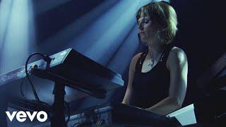Faithless - Drifting Away (Live At Alexandra Palace 2005)
