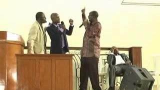 preview picture of video 'PASTOR MOSES & PROPHETE GODWING Partie 3 Love Divine Sanctuary Douala Cameroun le 06 juillet 2014'