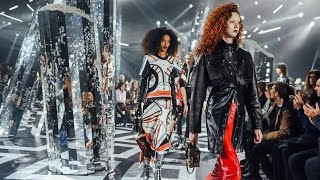 Highlights from the Louis Vuitton Women's Autumn-Winter 2016 Fashion Show