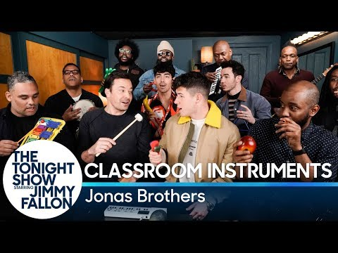 "Jimmy Fallon, Jonas Brothers & The Roots Sing ""Sucker"" (Classroom Instruments)"