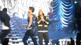 High Quality Mp3 Rihanna   Chris Brown - Umbrella Cinderella (Sydney Concert)