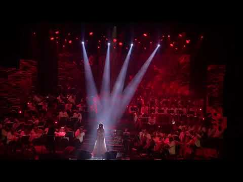 Glimpse of The Queen ANGHAM