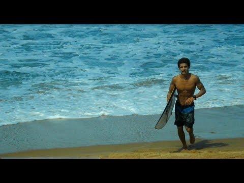 Israel Júnior aproveitando as boas ondas em Baia Formosa-RN