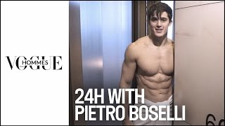 Pietro Boselli : 24 hours of Fashion Week with the sexiest teacher and model in the world - dooclip.me