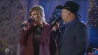 Garth Brooks & Trisha Yearwood - Baby it's cold outside