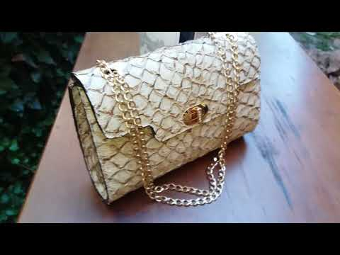 502234baec bolsa clutch couro pirarucu artesanal luxo feminina. Carregando zoom... bolsa  couro feminina. Carregando zoom.