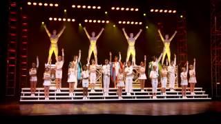 """We Will Rock You Showbeginn und """"Radio Ga Ga"""" (We Will Rock You Essen 2013 Cast)"""
