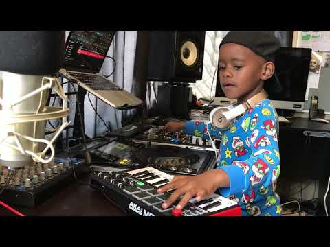 DJ Arch Jnr Switching It Up In His Studio Using Djay Pro (6yrs old)