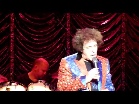 Leo Sayer - I Can't Stop Loving You (14.11.2013, The Colosseum, Watford, England)
