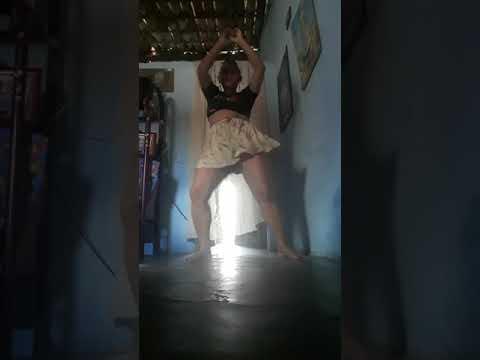 Eu dançando rouge