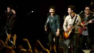 "jonas brothers and stevie wonder ""sos"" live"