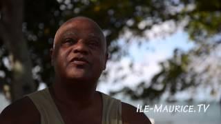 preview picture of video 'Le Monument Paul et Virginie à Poudre d'Or'