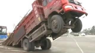 Amazing Truck Fails