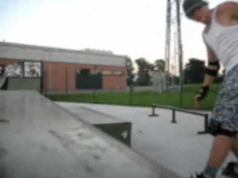 Snakeboard - Skate park Martin