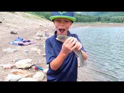 🎣BOY CATCHES HIS FIRST FISH!! 🐡🐠🐟