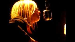"""Anna Ternheim - """"You mean nothing to me anymore"""" (live Paris 2012)"""