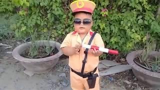 Đồ chơi trẻ em bé pin làm công an ❤ PinPin TV ❤ Baby toys police