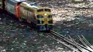 preview picture of video 'Triple-headed 5 gauge Train at GMES, Traralgon.'