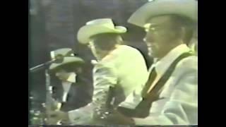 Lester Flatt and The Nashville Grass   Salty Dog Blues