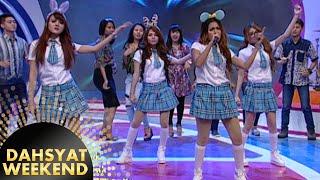 Grup berseragam D'Mojang 'Di Situ Kadang Saya Merasa Sedih' [Dahsyat] [14 Nov 2015]