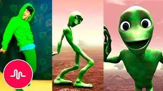 Танцующий инопланетянин в Musical.ly | Dame tu cosita challenge 👽 Лучшие клипы !!