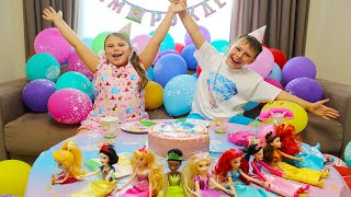 Ali organized a Birthday Party for his sister Adriana and gave a lot of gifts
