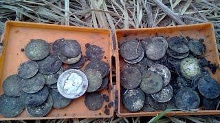 Клад монет , больше 100 штук серебро,  с Deus