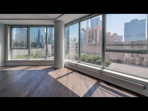 A sunny one-bedroom AA07 near River North and the West Loop at Left Bank