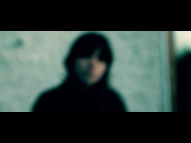 Cold Blue Light - Kynsy