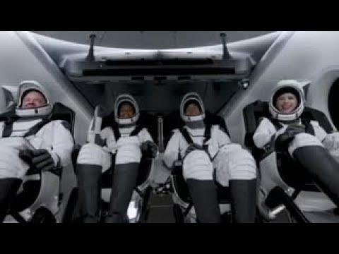 انطلاق أول رحلة إلى الفضاء على متنها طاقم مدني بالكامل