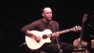 DAVE MATTHEWS ACTING REALLY WEIRD! (FOOL TO THINK ACOUSTIC)
