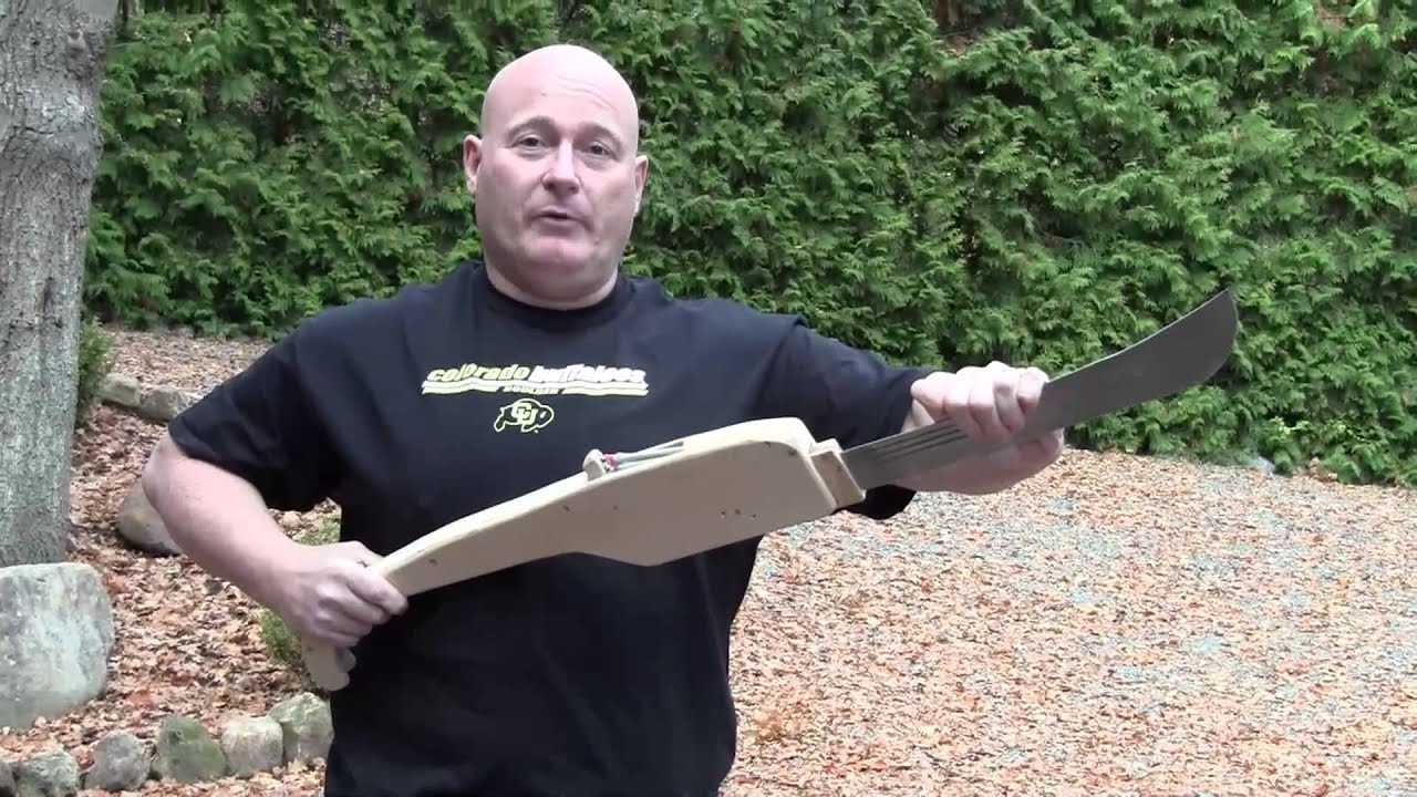 Reinventing The Pocket Knife As A Crazy Machete