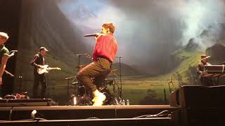 Christine and the Queens - Comme si on s'aimait LIVE at the Halle Tony-Garnier in Lyon - FRONT ROW