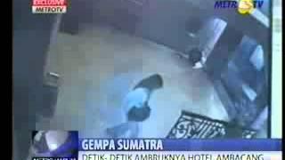 CCTV Saat Gempa Di Hotel Ambacang Padang 30 September 2009  Anggiat Marudut Silitonga