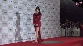 Download Video Bukannya Anggun! Artis-Artis Korea Ini Muncul dengan Pakaian Paling Buruk Saat Red Carpet! MP3 3GP MP4