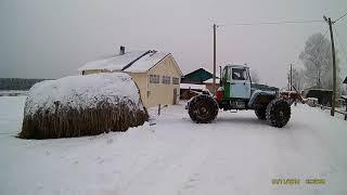 Боливар тянет стог сена/Homemade tractor