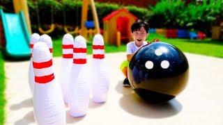 예준이와 아빠의 볼링공 장난감 대결놀이 Bowling Toy Game Play