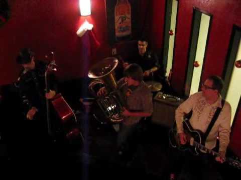 Clayton jamming at Brixx.wmv