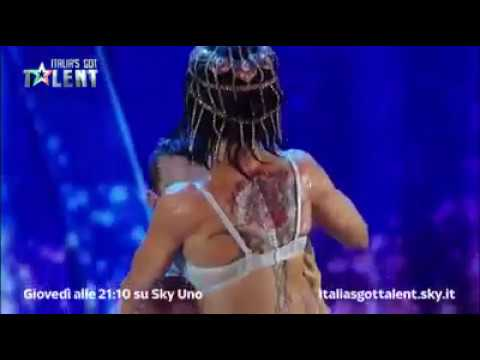 Top 5 sexiest Audition on Got talent global (видео)