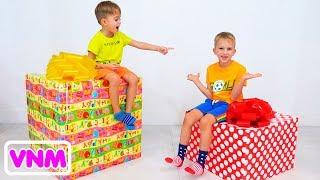 Vlad và Nikita Chọn đồ chơi quà tặng cho Roma