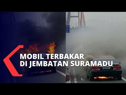 hindari tiang listrik mobil hangus terbakar di jembatan suramadu