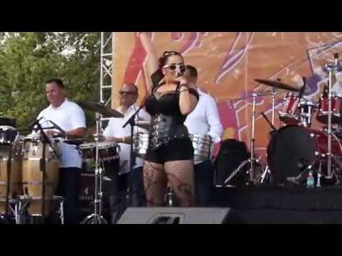 Sheenah in Calle 8 2014 Telemundo Stage