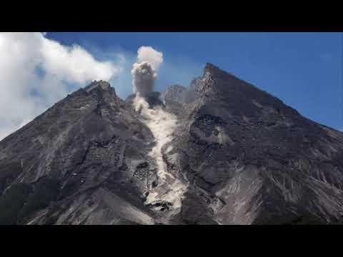 HEBOH Gunung Merapi Alami 7 Gempa Guguran