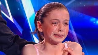 Simon Cowell Broke This Little Girls Heart During The Finals..