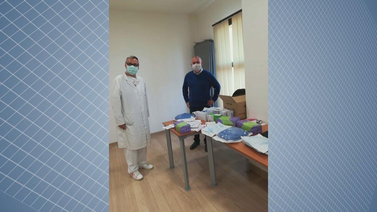 Entrega material al Centro de Salud de Sabinillas