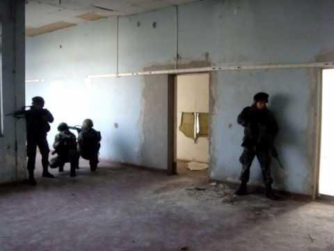 Peloton haciendo Combate en Poblacion