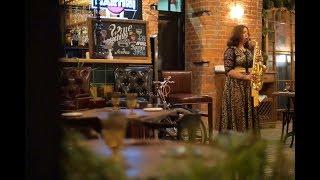 Необычные заказы саксофонистки на YouDo | Как романтично помириться со второй половинкой