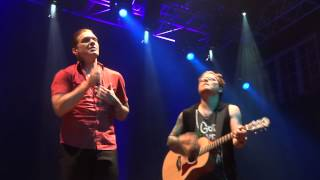 hinedown FRONT ROW!!! Acoustic Orlando 2013 Never Gonna Let Go(New Song)