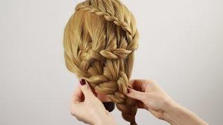 """Смотреть онлайн Подробный способ плетения косы """"змейка"""""""